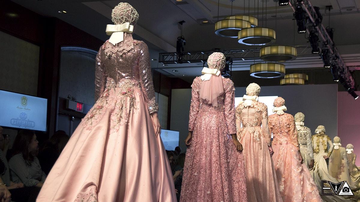 Anniesa Hasibuan - Couture Fashion Week 2016