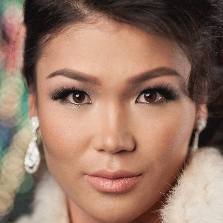 Demi Yo's Model portfolio