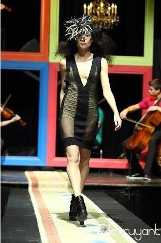 Roxanne De Serres's Model portfolio