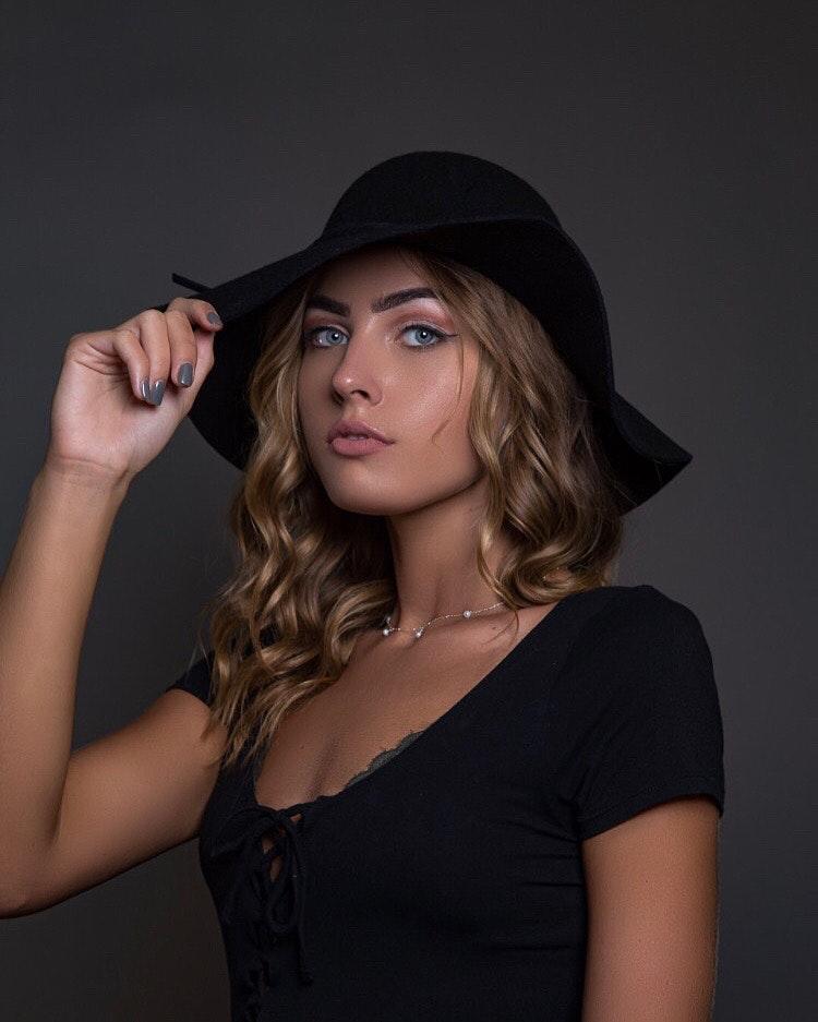 Valerie Victoria's Model portfolio