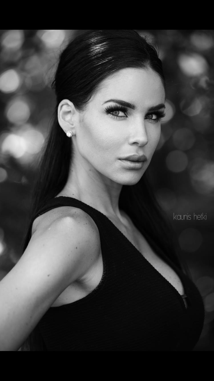 Krystle Hudanich's Model portfolio