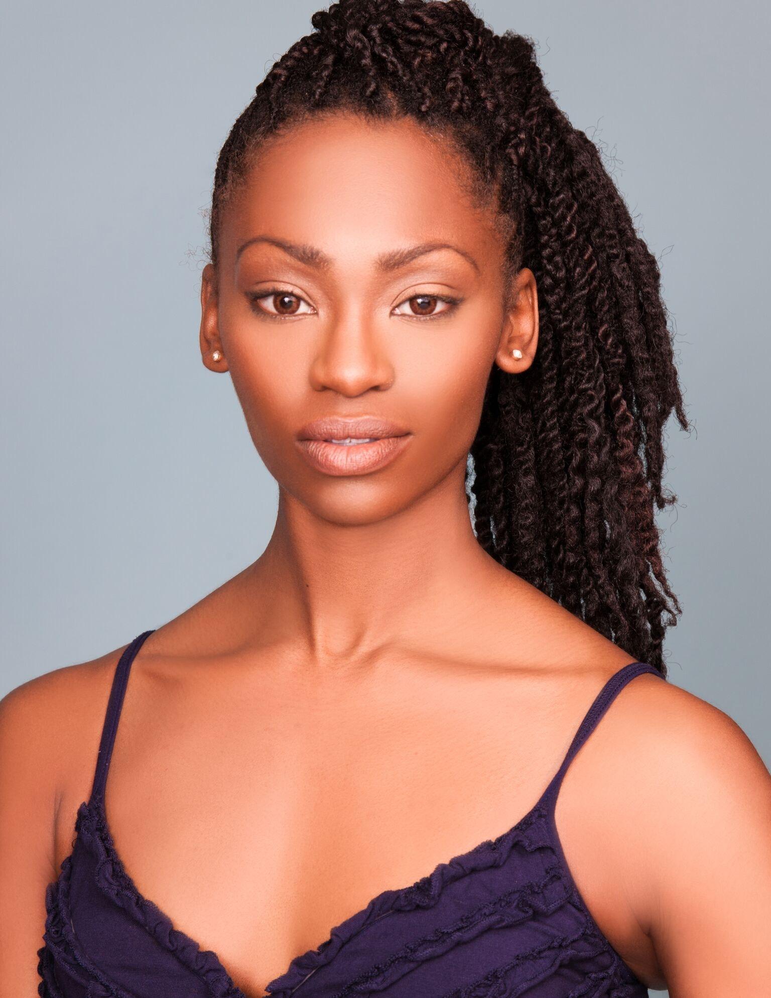LaQuannia Lewis's Model portfolio