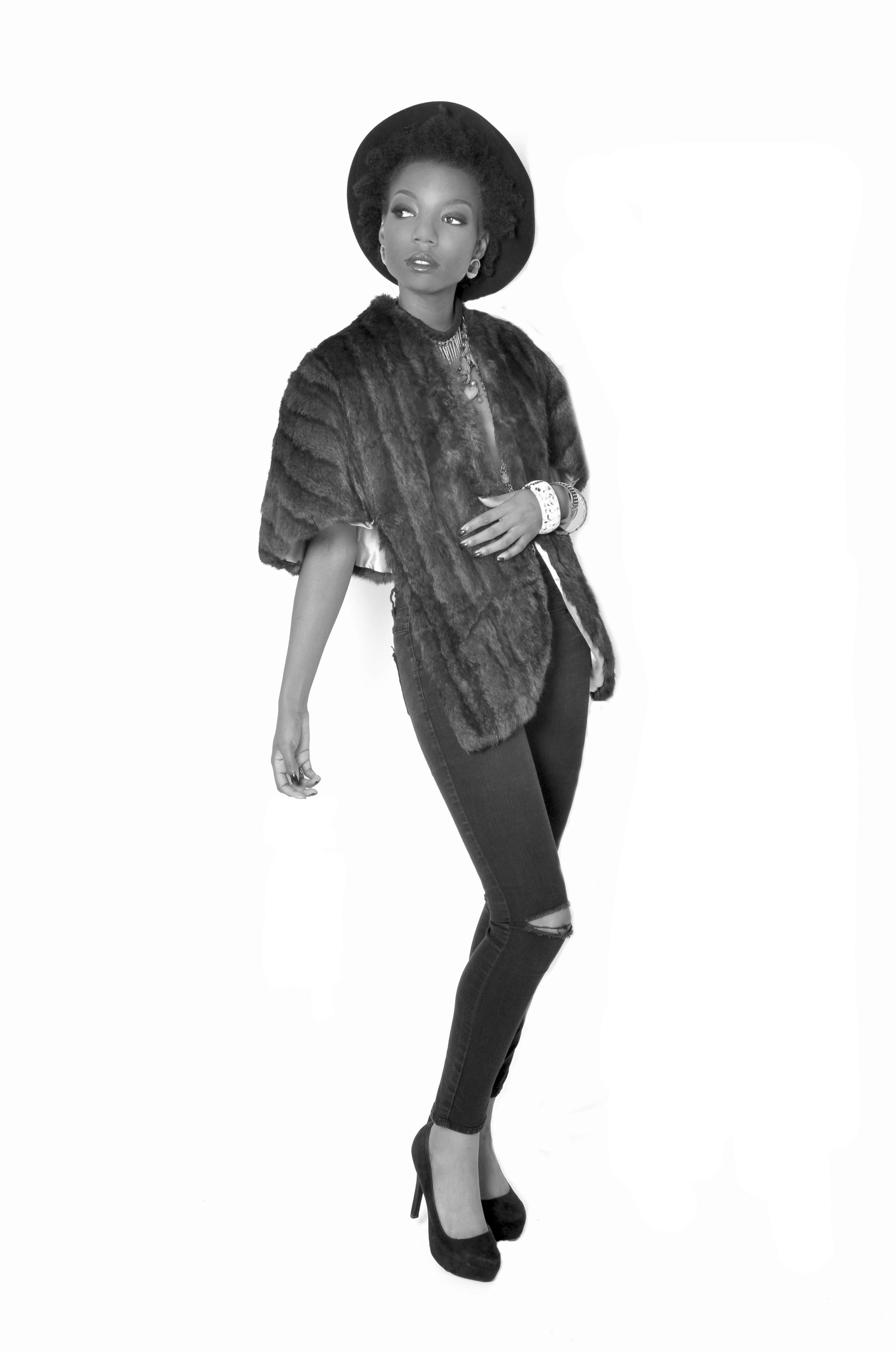 Aniysa Taylor's Model portfolio